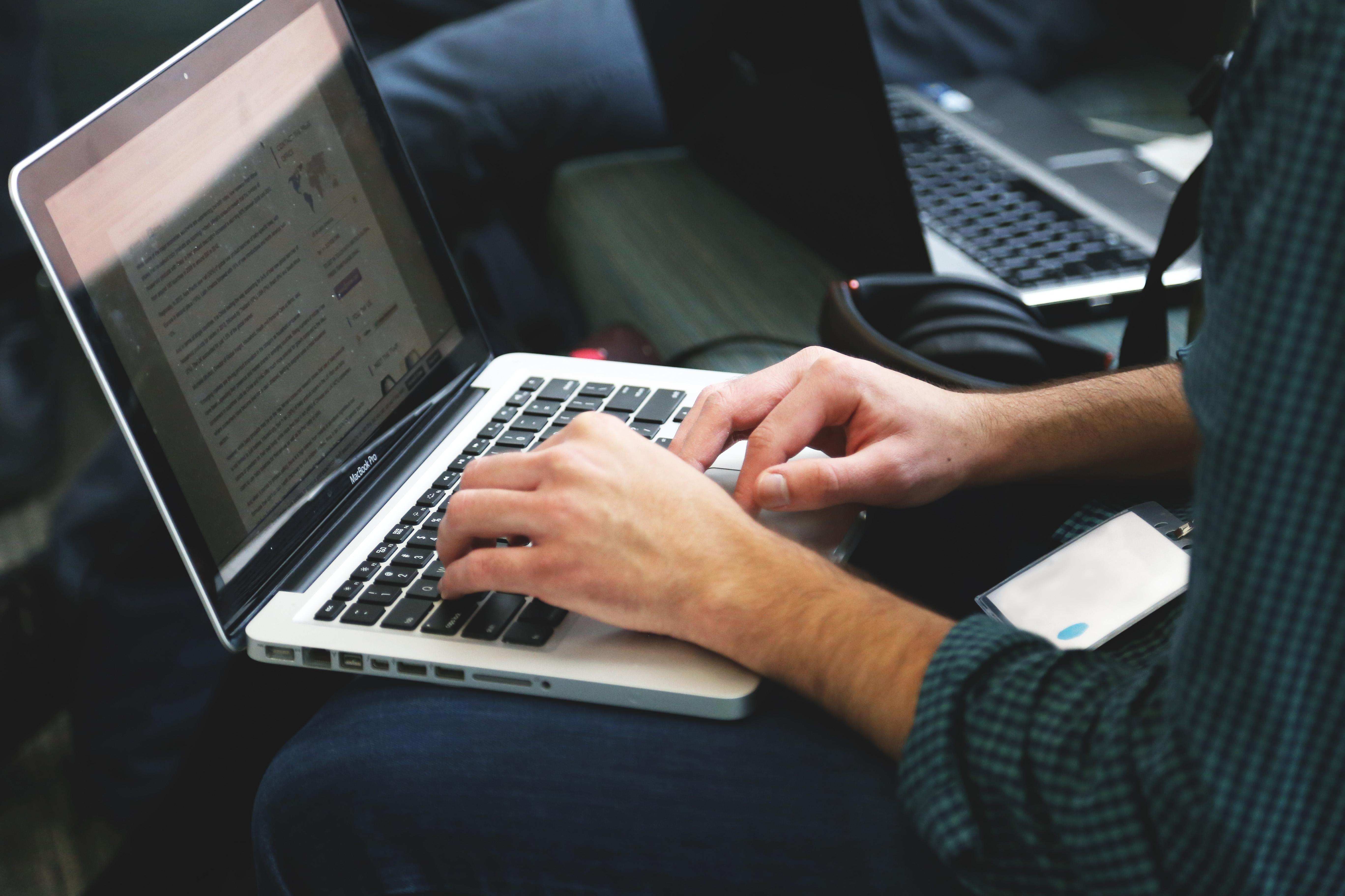 laptop-mobile.jpg